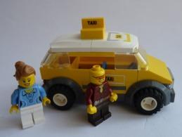 FIGURINE LEGO CITY 7937 TAXI TRAIN STATION GARE - Figurines