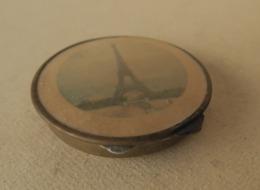 Poudrier Ancien Image De La Tour Eiffel à Paris - Materiale Di Profumeria