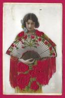 CPA Fantaisie Brodée - Une Femme Avec Son éventail - Carte D'origine Espagnole - Embroidered