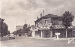 CPSM 94 @ CHAMPIGNY SUR MARNE @ Café Tabac LE BALTO - Carrefour Boulevard De Stalingrad En 1965 - Champigny Sur Marne