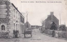 CPA  Maël Pestivien (22) Environs De Callac La Route De Querrien Rare  Coll Hamon    Ambiance Rustique ! - France