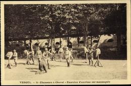Cp Vesoul Haute Saone Frankreich, 11e Chasseurs à Cheval, Exercice D'escrime Sur Mannequin - Militaria