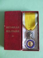 DECORATION MEDAILLE MILITAIRE 1870 MILITARIA FRANCE MEDAILLES ET INSIGNES - Médailles & Décorations