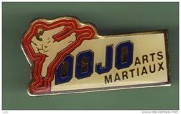 DOJO ARTS MARTIAUX *** 1044 - Judo