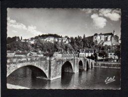 24 Terrasson / Le Vieux Pont Sur La Vézère Et L'Eglise - Autres Communes