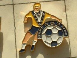 PIN'S  FOOTBALL -  DISTRICT DU VAL DE MARNE - Football