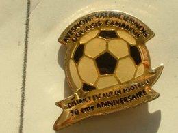 PIN'S  FOOTBALL -  DISTRICT ESCAUT - Football