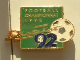PIN'S  FOOTBALL -  DISTRICT HAUT DE SEINE - CHAMPIONNAT 1992 - Football