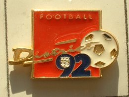 PIN'S  FOOTBALL -  DISTRICT HAUT DE SEINE - Football