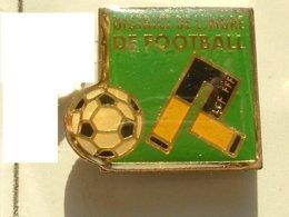 PIN'S  FOOTBALL -  DISTRICT DE L'INDRE - Football