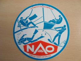 AUTOCOLLANT NAO VETEMENTS ISOTHERMIQUES 60800 CREPY-EN-VALOIS - Stickers