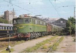 Nº 10 POSTAL DE UNA LOCOMOTORA ELECTRICA EN ESTACIÓN PIO DE MADRID (TREN-TRAIN-ZUG) AMICS DEL FERROCARRIL - Trenes