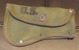 ARMEE AMERICAINE U.S : ETUI DE HACHE POUR LE PORT AU CEINTURON , FABRICATION CANVAS PROD. OF K.C 1945,   BON ETAT VOIR P - Equipement