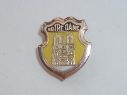 BROCHE NOTRE DAME DE PARIS - Steden