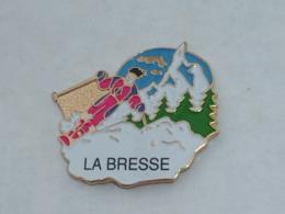 Pin's SKIEUR A LA BRESSE - Sports D'hiver