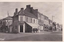 Carte Photo  CPSM : St Eloy Les Mines  (63) Angle Des Rues Jean Jaurès Et Bayon , Café De La Place Borne Michelin   CIM - Plaatsen