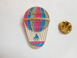 Beau Pin's , Montgolfiére Ballon Les Terres ; Kite - Montgolfières