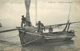 ETRETAT - échouage D'une Barque De Pêche. - Fischerei