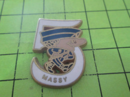 811a PINS PIN'S / Beau Et Rare : Thème POLICE / CRS OU MOBILE MASSY 5 Tirage Numéroté 0107 Par BOUSSEMART - Polizei