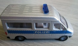 Fourgon De Police Mercedes - Siku 1/55 ème - Cars & 4-wheels