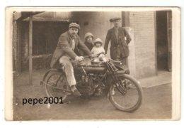 Carte Photo Originale Motocyclette Side Car  ( Marque Et Date à Déterminer) - Personnages - Motorbikes