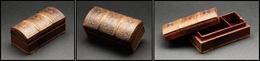 Boîte En Cuir En Forme De Tranche De Livre Ancien, 3 Comp., 100x48x45mm. - TB - Boites A Timbres