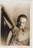 Foto 2. WK - Soldat Beim Anziehen - Fotografie
