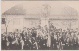 AIN - Carte Photo D'une Classe De Conscrits Derrière La Statue De 1893 à Nantua Ou Oyonnax - Non Classés