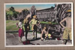 CPSM CAMBODGE - ANGKOR-VAT - Soldats Français Chargés De La Sauvegarde Du Palais Cassant Des Noix De Coco TB PLAN - Cambodia