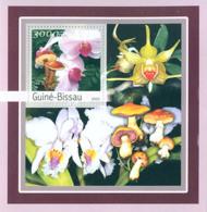 Guinea - Bissau 2003 - Orchides - Mushrooms S/s. Y&T 135, Michel 2095 BL388 - Guinea-Bissau