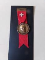 """Suisse Médaille En Bronze Avec Ruban """" Marche Populaire Bienne """" Président De La Confédération 1971, R Gnägi - Tokens & Medals"""