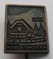 Dom Pod Storžičem SLOVENIA Alpinism, Mountaineering CLIMBING PINS BADGES S - Alpinismus, Bergsteigen