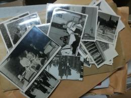 9 KILOGRAMMES DE PHOTOS ORIGINALES NOIR-BLANC (EMBALLAGE COMPRIS) EN VRAC AU PRIX DE 65 € - Albums & Collections