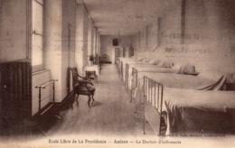 Amiens - Ecole Libre De La Providence - Le Dortoir D ' Infirmerie - Amiens