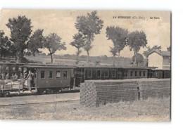 CPA 17 La Bergerie La Gare Et Le Train Tramway - France