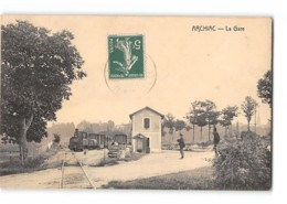 CPA 17 Archiac La Gare Et Le Train Tramway - France