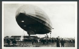 """Fotokarte LZ 127 """"Graf Zeppelin"""" Bei Der Landung, Lässt Wasserballast Ab, Aus Dem Berlin Archiv, S/w, II - Friedrichshafen"""