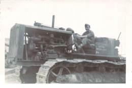 Photo Militaria - Militaires Du 19e Régiment Génie Français, Engin Mécanique Caterpillar, Algérie Ca 1935 - War, Military