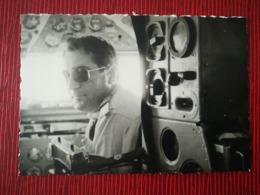 CHEF MÉCANICIEN ET COMMANDANT DE BORD COCKPIT AVION SABENA D. C. 7  PASSAGERS = CHEVAUX En 1962 - Aviation