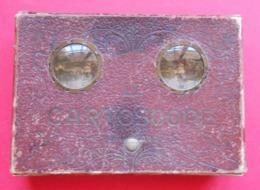 RARE Le Cartoscope Vision Stéréo De CPA Boïte Avec Ses 2 Lentilles Avec 25 Cartes Postales Dans Son Jus 15.5x11x3.3 Cms - Cartes Postales