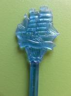 263 - Touilleur - Agitateur - Mélangeur à Boisson - Transport - Voilier Bleu - Swizzle Sticks