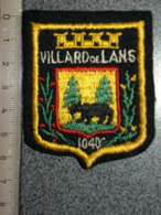 ECUSSON  TOURISTIQUE TISSUS  VILLARD DE LANS - Blazoenen (textiel)