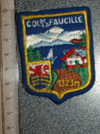 ECUSSON  TOURISTIQUE TISSUS  COL DE LA FAUCILLE - Patches