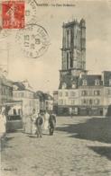 MANTES LA TOUR ST MACLOU - Mantes La Ville