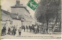 MONTJEAN  (Maine Et Loire) Sortie Des Ouvriers Des Forges Et Place Du Vallon - France
