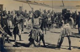 SUDAFRICA , TARJETA POSTAL NO CIRCULADA  , NATIVES IN A MINING COMPOUND , TEMA ÉTNICO , TRIBAL , ETNICAL - África