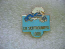 Pin's Club De Natation SCHTROUMPFS 1986 à Geneve (Suisse) - Natation