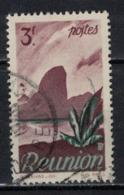 REUNION           N°     YVERT   272   OBLITERE       ( Ob  5/31 ) - Reunion Island (1852-1975)