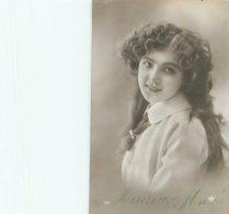 Femme Portrait      C 714 - Femmes