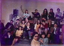 PHOTO DE PRESSE FILM LES ARNAUD 1967 AVEC ADAMO BOURVIL C. DELAROCHE FORMAT 18 X 13 CM - Personalidades Famosas